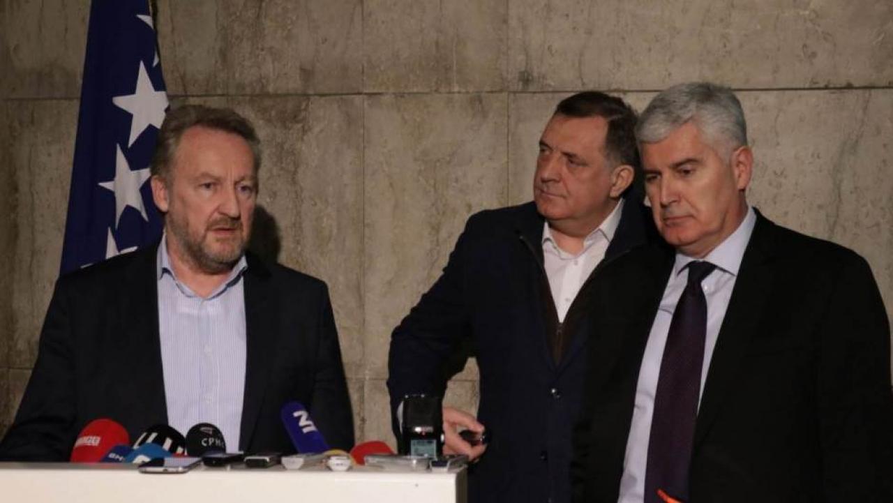 Dodik poziva na mirni razlaz, a Izetbegović spominje rat