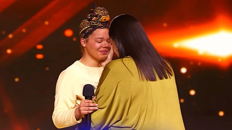 VIDEO Martina dala zlatni gumb 18-godišnjakinji iz Drniša tužne životne priče