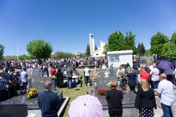 Nova satnica misa na grobljima na blagdan Svih svetih i Dušni dan u Širokom Brijegu